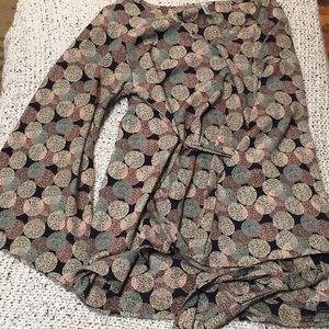 Women's bell sleeved blouse, size medium.